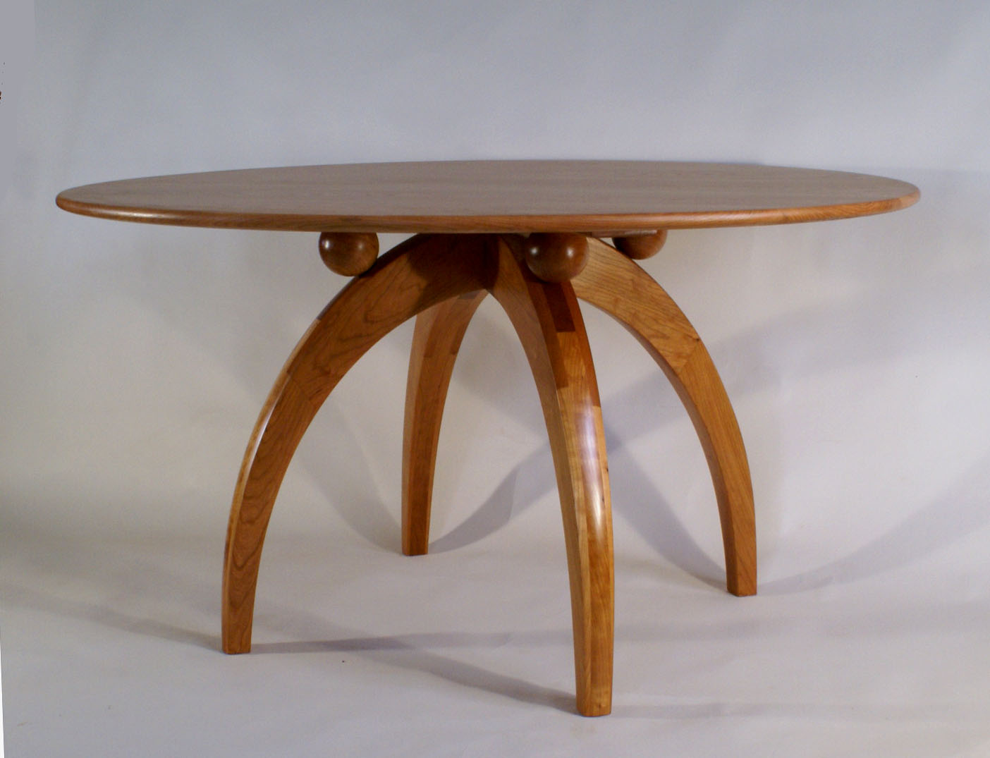 Pedestle Table